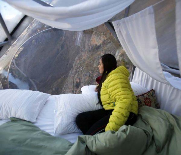 Dormir à flanc de montagne, à 400 mètres de haut, ça vous tente ?