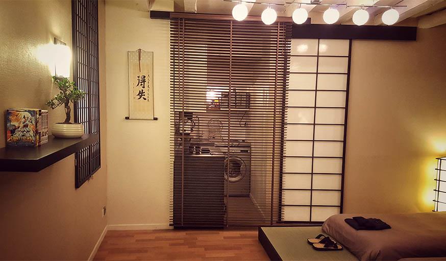 Louer une chambre japonaise à Nantes : Elle a adopté le style japonais