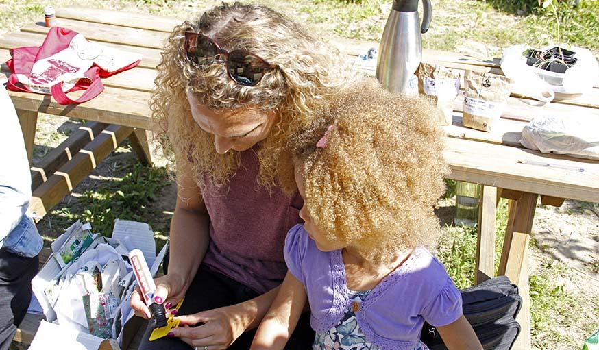 Anne-Claire et sa fille.