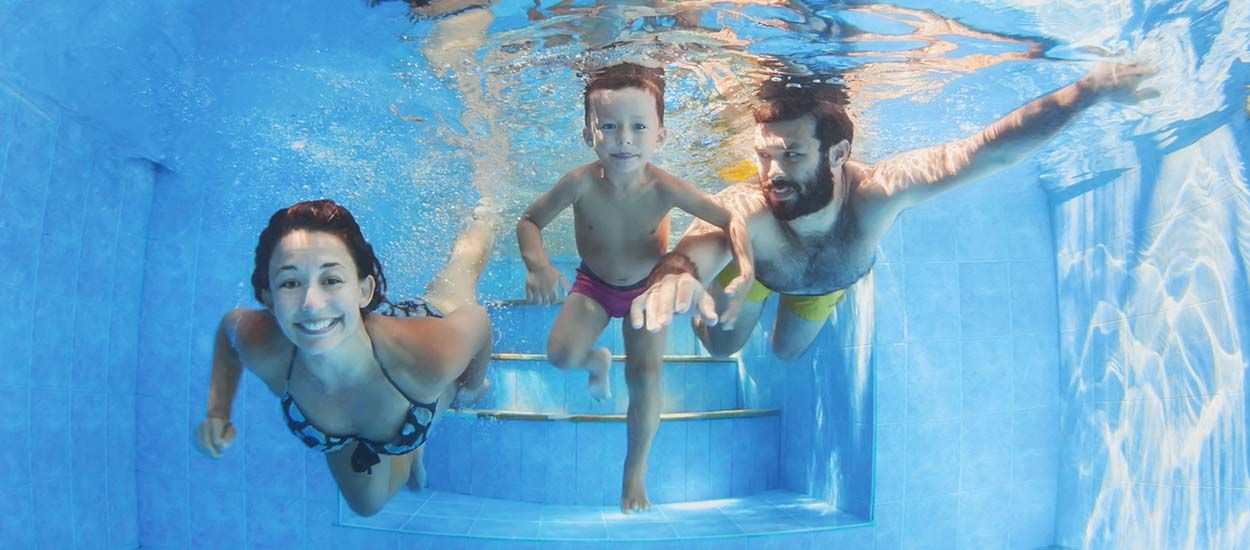 10 solutions pour une piscine cologique sans chlore avec chauffage solaire. Black Bedroom Furniture Sets. Home Design Ideas