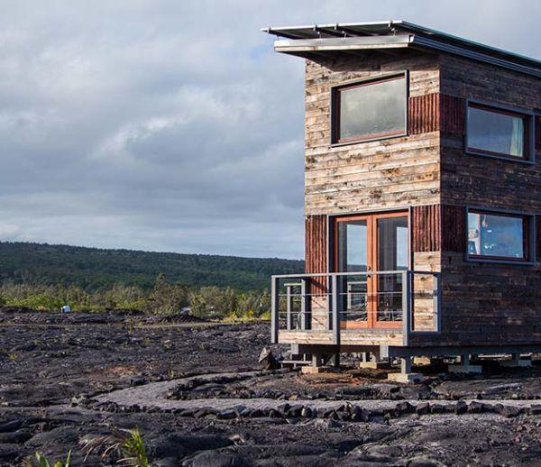 Une maison perchée sur un volcan