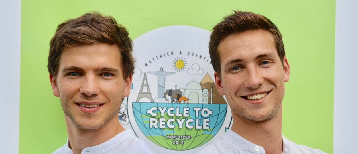 À 23 ans, ils parcourent le monde à vélo pour sensibiliser au recyclage du plastique