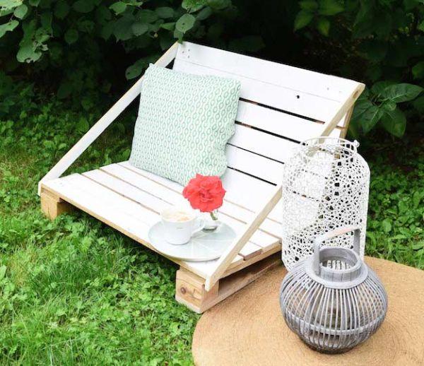 Tuto : Fabriquez un agréable fauteuil de jardin en palette au design épuré