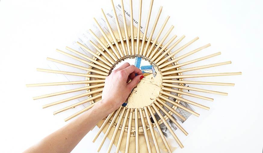 diy miroir soleil fabriquez vous un miroir tendance et. Black Bedroom Furniture Sets. Home Design Ideas
