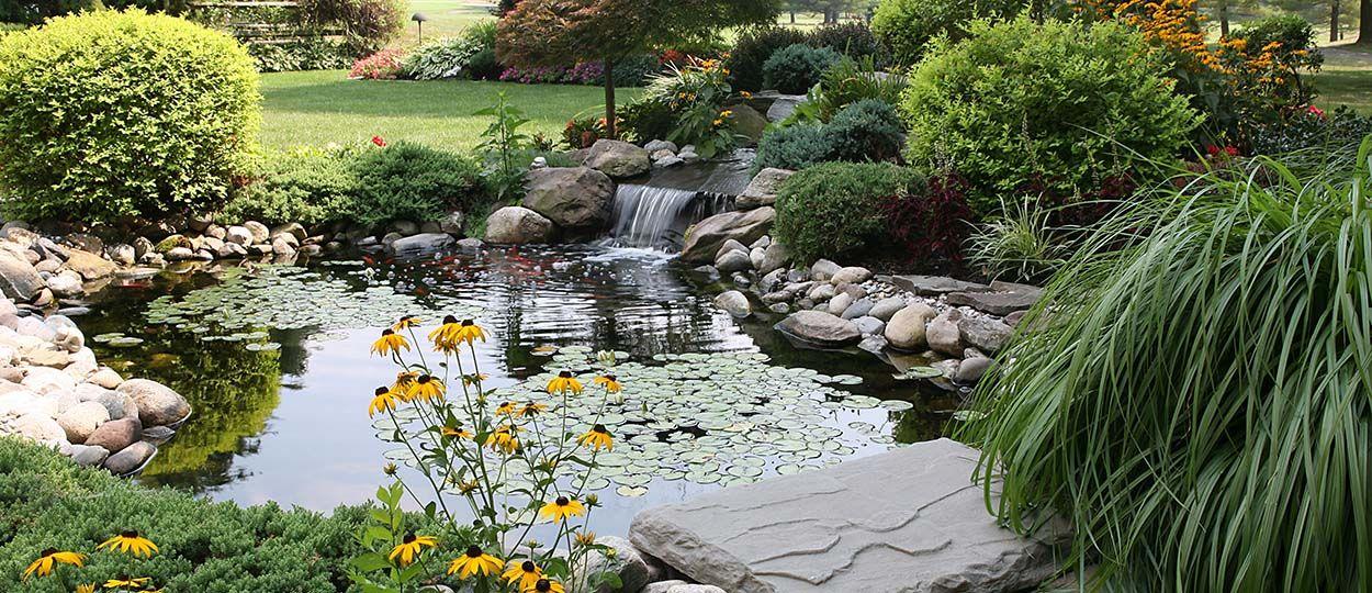 inspirations pour installer un bassin dans son jardin point d 39 eau dans le jardin. Black Bedroom Furniture Sets. Home Design Ideas