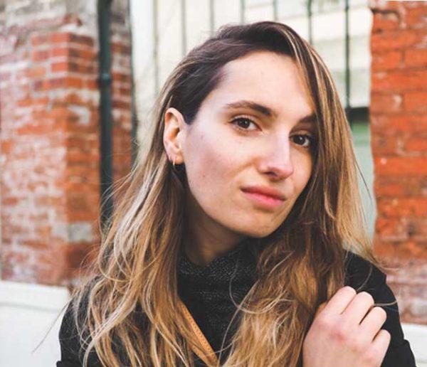 À 28 ans, Manon passe de serial shoppeuse à adepte du zéro déchet et du minimalisme
