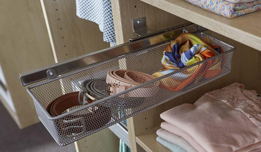 accessoires de dressing pratiques et pas chers by castorama form pratik. Black Bedroom Furniture Sets. Home Design Ideas