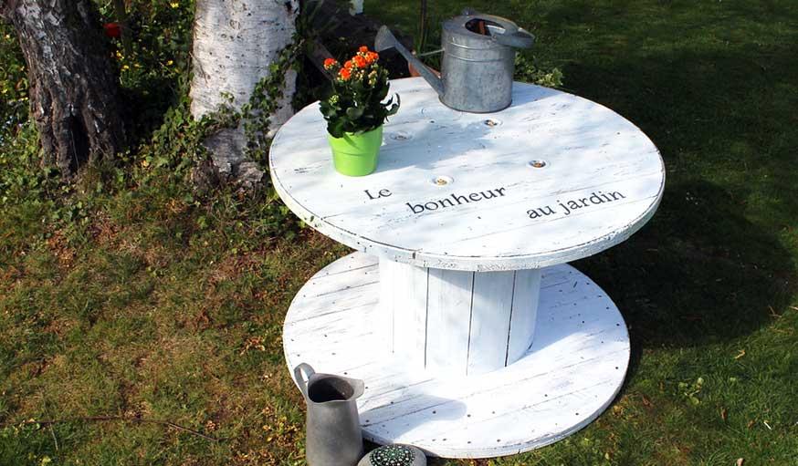 relooker un touret beautiful diy dun touret ou comment. Black Bedroom Furniture Sets. Home Design Ideas