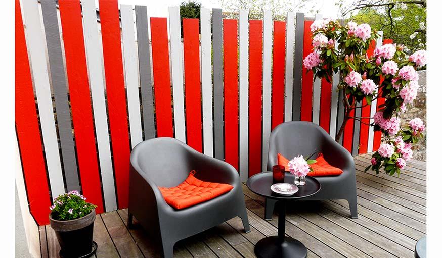 d coration de jardin et terrasse 7 inspirations de murs ext rieurs color s. Black Bedroom Furniture Sets. Home Design Ideas