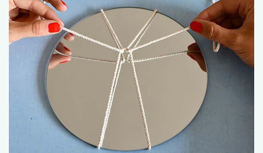 Diy pour fabriquer des miroirs suspendus en macram diy for Decouper un miroir