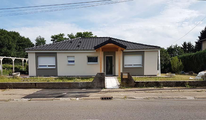 La maison vue de l'extérieur