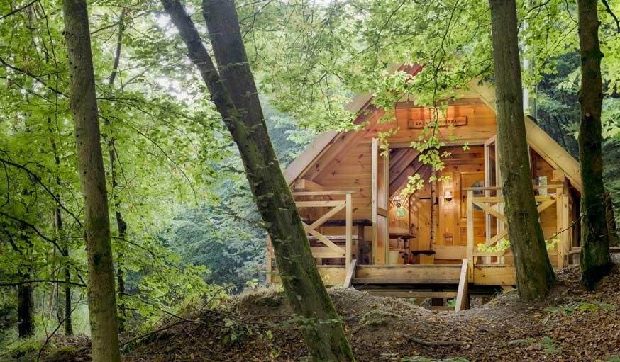 un s jour insolite dans une cabane en bois habitable. Black Bedroom Furniture Sets. Home Design Ideas