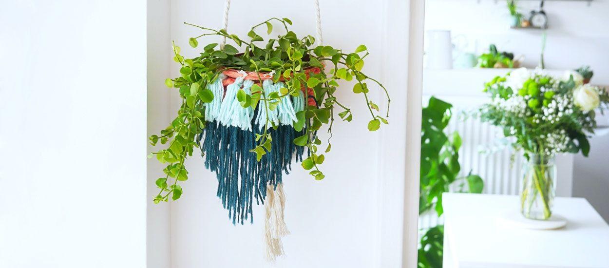 Tuto : Customisez un cache-pot avec du tissage pour des plantes suspendues ambiance bohème