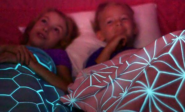 Cette couverture éloigne tous les monstres cachés sous le lit de vos enfants !