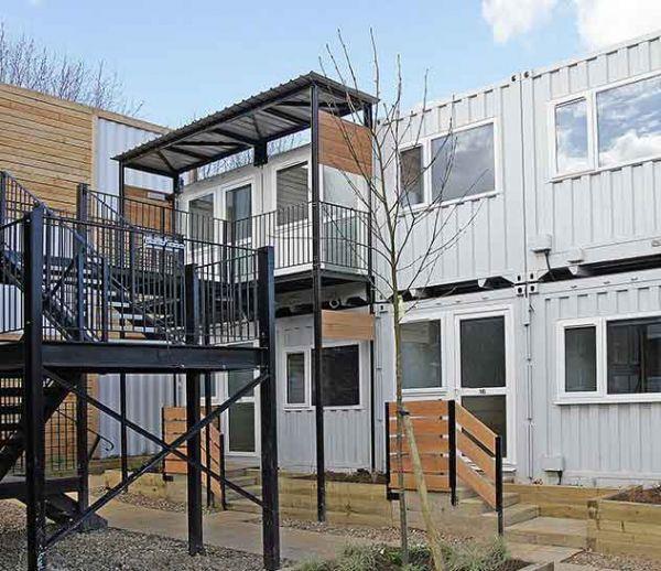 À Londres, des conteneurs transformés en appartements pour loger les personnes sans-abri