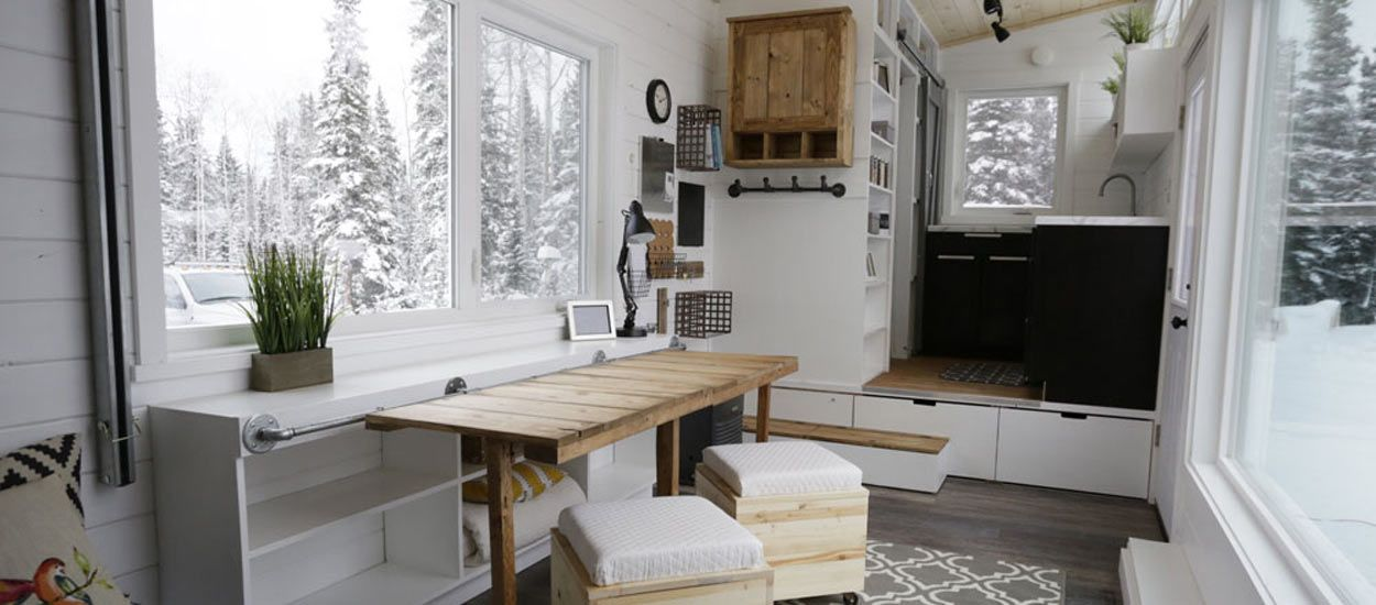 tiny house l 39 int rieur de cette petite maison va vous surprendre. Black Bedroom Furniture Sets. Home Design Ideas