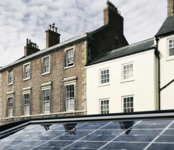Le Royaume-Uni offre 800 000 panneaux solaires pour venir en aide aux foyers les plus précaires