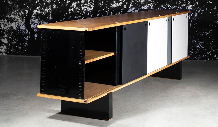 ventes aux ench res charlotte perriand 20 meubles de la designer fran aise. Black Bedroom Furniture Sets. Home Design Ideas