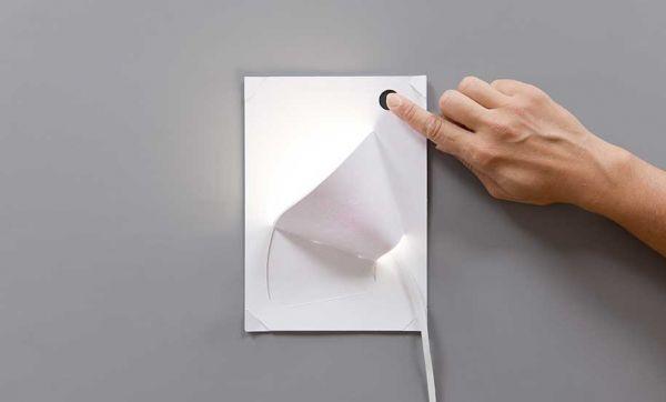 Cette lampe en papier à faire soi-même fonctionne grâce à de la peinture conductrice