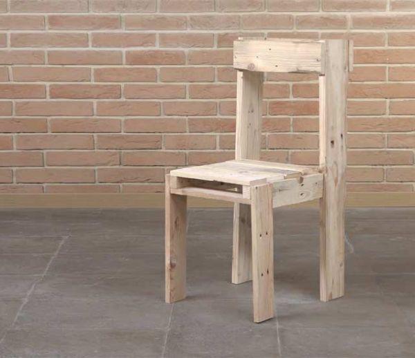 Tuto : Fabriquez une jolie chaise d'intérieur avec des palettes pour 10 euros