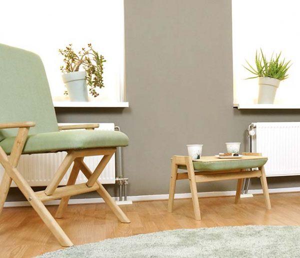 Gain de place : ce fauteuil se transforme en chaise de bureau en un seul geste