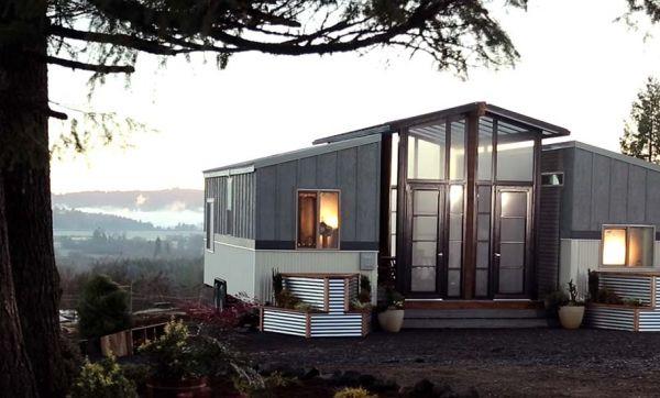 Cette drôle de maison est en réalité constituée de deux tiny houses !