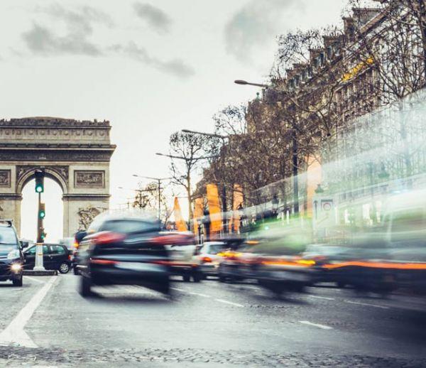 La mairie de Paris veut interdire les voitures à essence d'ici 2030