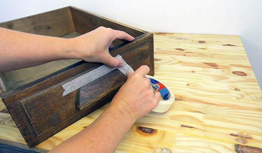 diy table de chevet pratique et r cup 39 fabriquer une. Black Bedroom Furniture Sets. Home Design Ideas