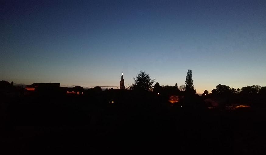 Vu sur un coucher de soleil dans la Somme en Hauts-de-France, le 25 octobre
