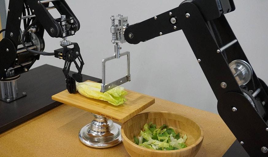 Ce Bras Robotise Vous Aide A Cuisiner Et Faire Des Photos 18h39 Fr