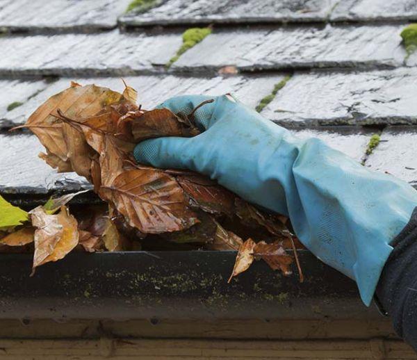 4 conseils pour vérifier ses gouttières avant l'hiver