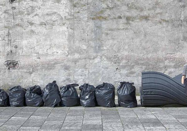 Recyclage Ce Mobilier Urbain Est Réalisé à Partir De Déchets