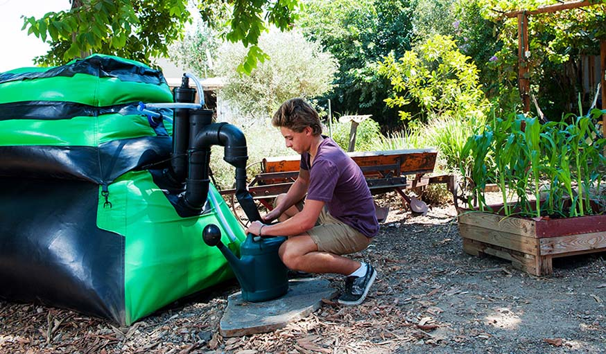 Ce méthaniseur produit également de l'engrais pour le jardin.