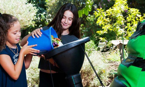 Ce méthaniseur domestique transforme vos épluchures en gaz pour cuisiner
