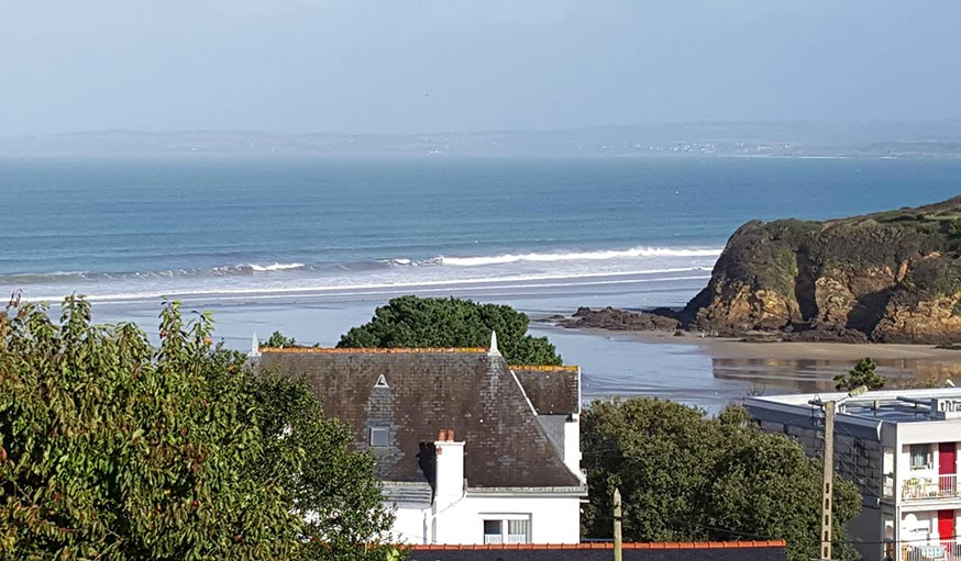 Vu sur la mer à Douarnenez en Bretagne, le 25 octobre