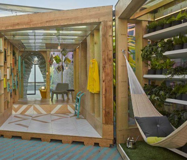 Cette drôle de tiny house à Brooklyn est aussi colorée qu'une aire de jeux pour enfants