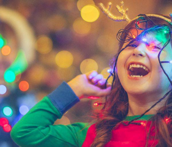 Bonne nouvelle : installer vos décorations de Noël en avance rend heureux !