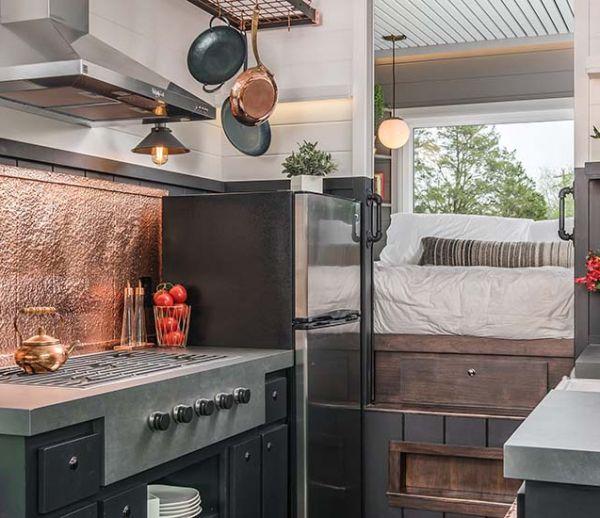 Cette tiny house familiale cache deux belles chambres