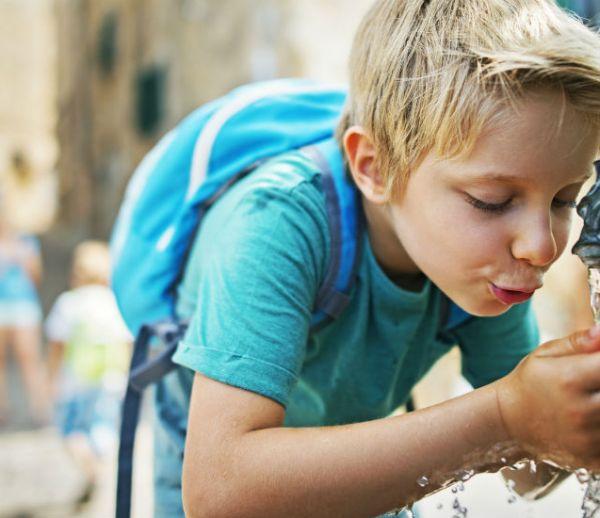 Londres va installer des fontaines à eau pour réduire les bouteilles plastiques
