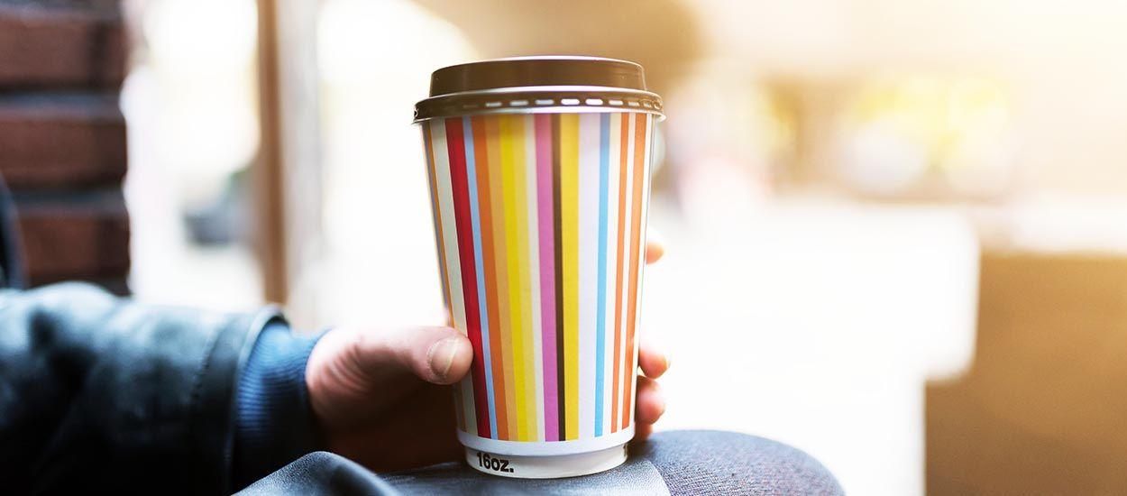 Cette ville d'Allemagne distribue des gobelets réutilisables dans les cafés