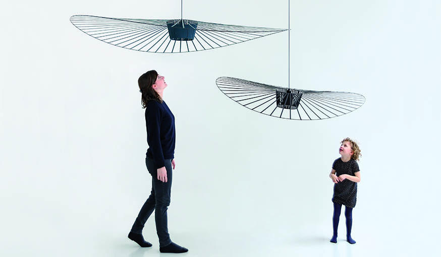 portrait de constance guisset 8 oeuvres de la cr atrice de vertigo. Black Bedroom Furniture Sets. Home Design Ideas