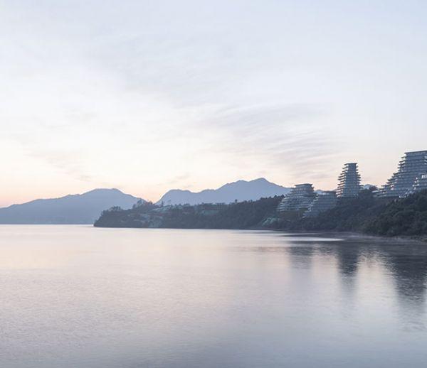 Ces résidences spectaculaires se confondent avec les montagnes environnantes