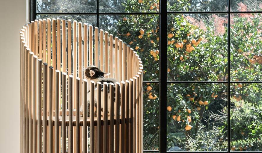 un arbre chat design et minimaliste tout droit venu du japon. Black Bedroom Furniture Sets. Home Design Ideas