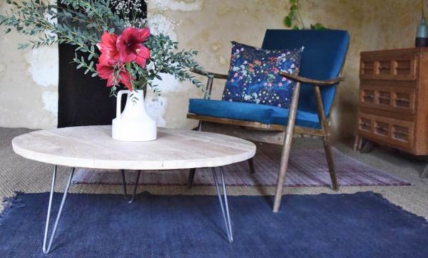Tuto : Fabriquez une superbe table basse en bois brut pour moins de 50 euros