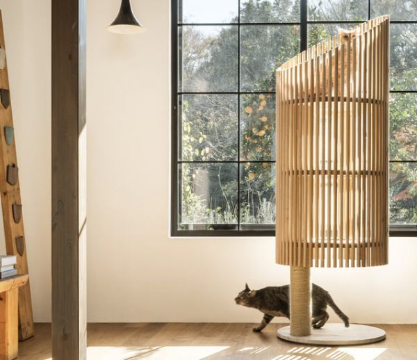 Un arbre à chat design et minimaliste tout droit venu du Japon