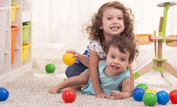 Le plein d'idées d'activités pour que les tout-petits se dépensent à la maison