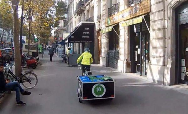 Collecter les déchets à vélo et faire du compost en plein Paris, une révolution !