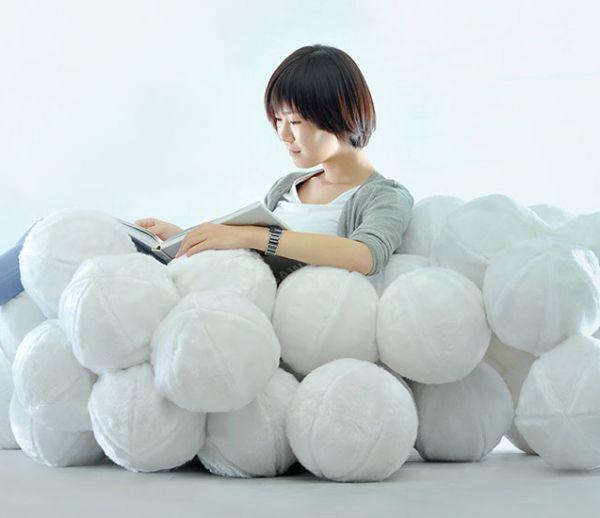Voici le canapé le plus cocooning du monde : un nuage qui change de forme