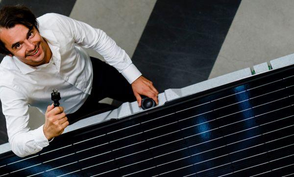 Ils ont inventé des panneaux solaires terrestres à installer en 5 minutes