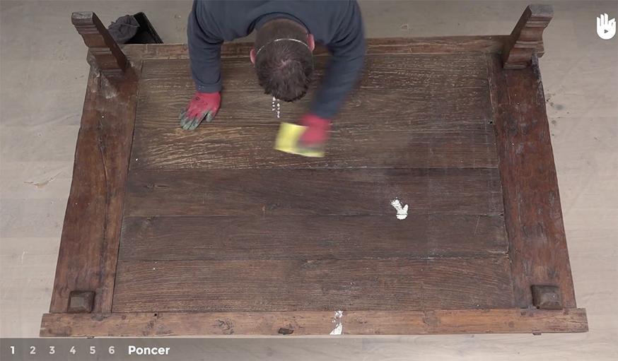 Tutoriel Video Apprendre A Restaurer Une Table En Bois